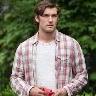 Alex Pettyfer stars as David Elliot in Universal Pictures' Endless Love (2014)
