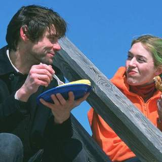Jim Carrey and Kate Winslet in Focus Features' Eternal Sunshine of the Spotless Mind (2004) - esosm_20