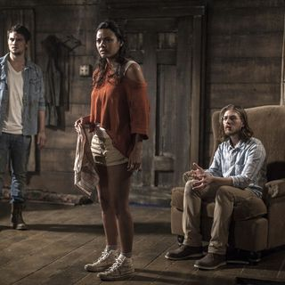 Shiloh Fernandez, Jessica Lucas and Lou Taylor Pucci in TriStar Pictures' Evil Dead (2013)
