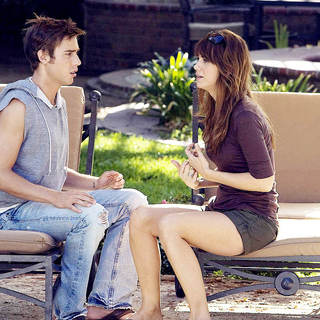Dustin Milligan stars as Brad and Kristen Wiig stars as Suzie in Miramax Films' Extract (2009)