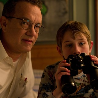 Extremely Loud and Incredibly Close Picture 25