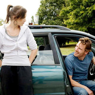 Katie Jarvis stars as Mia and Michael Fassbender stars as Connor in IFC Films' Fish Tank (2010). Photo credit by Holly Horner. - fish_tank05