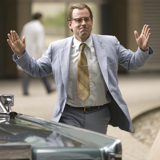 Greg Kinnear stars as Bob Kearns in Universal Pictures' Flash of Genius (2008). - flash_of_genius06
