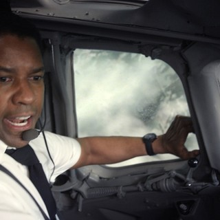 Denzel Washington stars as Whip in Paramount Pictures' Flight (2012)