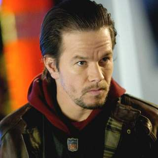 Mark Wahlberg as Bobby Mercer in Paramount Pictures' Four Brothers (2005) - four_brothers_10