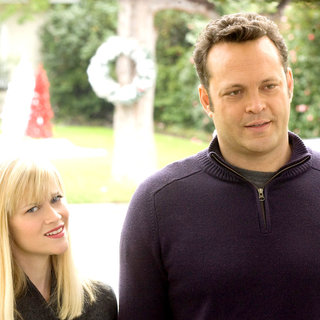 Reese Witherspoon stars as Kate and Vince Vaughn stars as Brad in New Line Cinema's Four Christmases (2008)