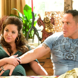 Katy Mixon stars as Susan and Jon Favreau stars as Denver in New Line Cinema's Four Christmases (2008)