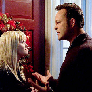 Four Christmases Picture 17