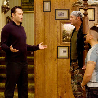 Vince Vaughn, Tim McGraw and Jon Favreau in New Line Cinema's Four Christmases (2008)
