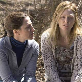 Edie Falco and Julianne Moore in Columbia Pictures' Freedomland (2006)