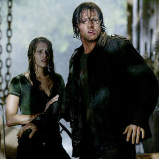 Amanda Righetti stars as Whitney and Jared Padalecki stars as Clay in Paramount Pictures' Friday the 13th (2009) - friday_the13th11