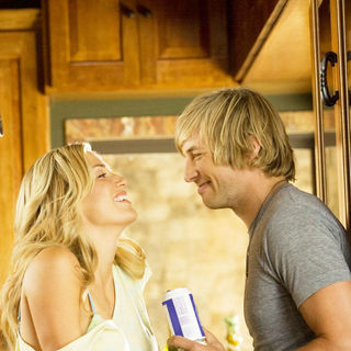 Willa Ford stars as Chelsea and Ryan Hansen stars as Nolan in Paramount Pictures' Friday the 13th (2009) - friday_the13th29