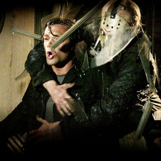 Jared Padalecki stars as Clay and Derek Mears stars as Jason Voorhees in Paramount Pictures' Friday the 13th (2009) - friday_the13th35