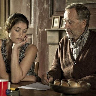 Gemma Arterton (stars as Gemma Bovery) and Fabrice Luchini in Music Box Films' Gemma Bovery (2015) - gemma-bovery-image01