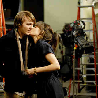Paul Dano stars as Brian Weathersby and Zooey Deschanel stars as Harriet Lolly in First Independent Pictures' Gigantic (2009) - gigantic15