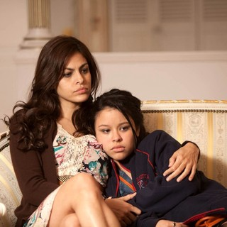 Eva Mendes stars as Grace and Cierra Ramirez stars as Ansiedad in Pantelion Films' Girl in Progress (2012). Photo credit by Bob Akester.