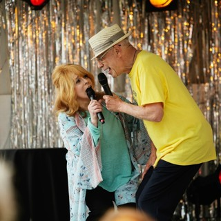 Ann-Margret stars as Annie and Alan Arkin stars as Albert in Warner Bros. Pictures' Going in Style (2017) - going-in-style-still07