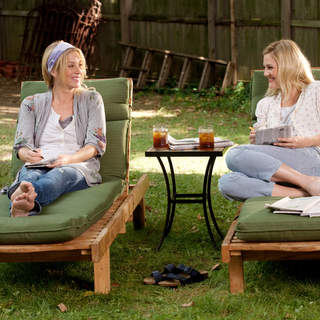Christina Applegate stars as Corinne and Drew Barrymore stars as Erin in Warner Bros. Pictures' Going the Distance (2010) - going_the_distance05