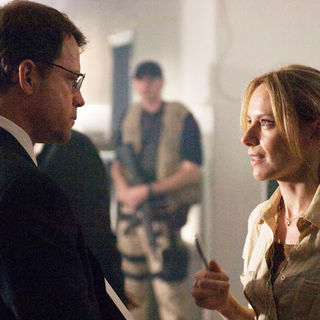 Greg Kinnear stars as Clark Poundstone and Amy Ryan stars as Lawrie Dayne in Universal Pictures' Green Zone (2010) - green_zone12
