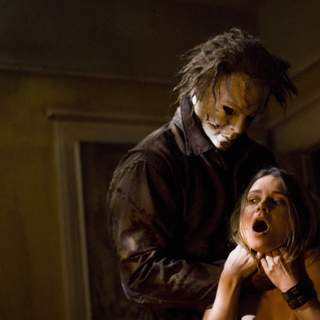 Kristina Klebe as Lynda and Tyler Mane as Michael Myers in MGM/Dimension Films' Halloween (2007)
