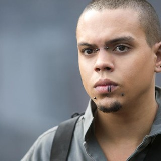 Evan Ross stars as Messalla in Lionsgate Films' The Hunger Games: Mockingjay, Part 1 (2014) - hg-mockingjay-part1-pic02