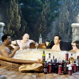 Hot Tub Time Machine Picture 3