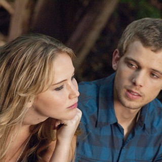 Jennifer Lawrence stars as Elissa and Max Thieriot stars as Ryan in Relativity Media's House at the End of the Street (2012)