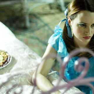 Julie Ann Emery stars as Leslie in Roadside Attractions' House (2008)