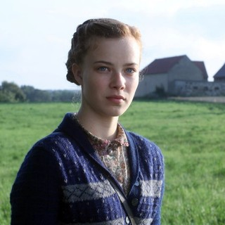 Hayley Atwell stars as Emmy in Bavaria Film International's I, Anna (2012) - i-anna08