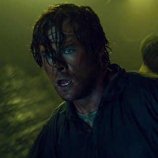 Chris Hemsworth stars as Owen Chase in Warner Bros. Pictures' In the Heart of the Sea (2015) - in-the-heart-of-the-sea06