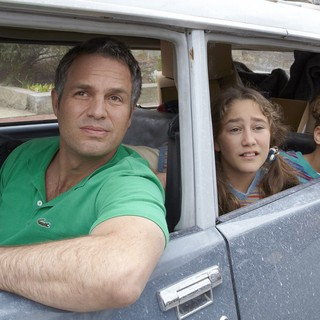 Infinitely Polar Bear - Mark Ruffalo, Imogene Wolodarsky and Ashley Aufderheide in Sony Pictures Classics' Infinitely Polar Bear (2015)
