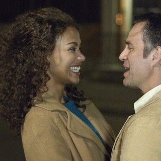 Infinitely Polar Bear - Zoe Saldana stars as Maggie and Mark Ruffalo stars as Cameron in Sony Pictures Classics' Infinitely Polar Bear (2015)