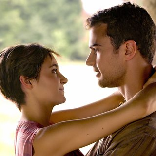 Shailene Woodley stars as Tris and Theo James stars as Four in Summit Entertainment's The Divergent Series: Insurgent (2015)