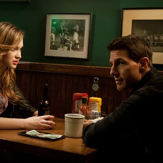 Alexia Fast stars as Sandy and Tom Cruise stars as Jack Reacher in Paramount Pictures' Jack Reacher (2012)