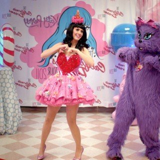 Katy Perry: Part of Me Picture 2