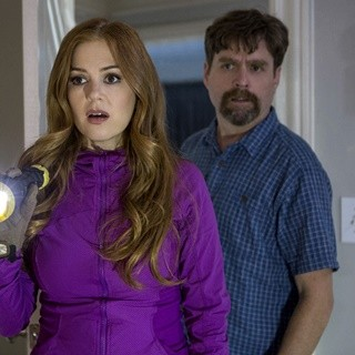 Isla Fisher and Zach Galifianakis in 20th Century Fox's Keeping Up with the Joneses (2016) - keeping-up-with-the-joneses03