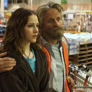 Michael Douglas as Charlie and Evan Rachel Wood as Miranda in First Look Pictures' King of California (2007)