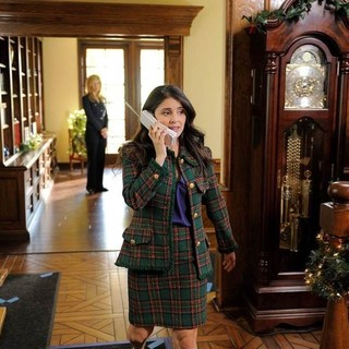 Shiri Appleby stars as Kristin in Lifetime's Kristin's Christmas Past (2013) - kristin-christmas-past01