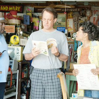 Larry Crowne Picture 4