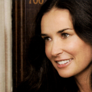 Demi Moore in Lionsgate Films' LOL (2012)