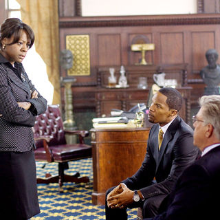 Viola Davis stars as Mayor of Philadelphia and Jamie Foxx stars as Nick Rice in Overture Films' Law Abiding Citizen (2009) - law_abiding_citizen28