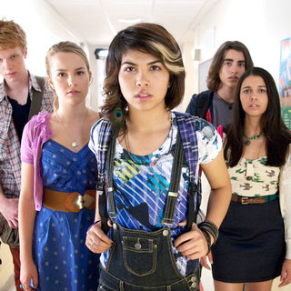 Adam Hicks, Bridgit Mendler, Hayley Kiyoko, Blake Michael and Naomi Scott in Disney Channel's Lemonade Mouth (2011)