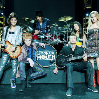 Hayley Kiyoko, Adam Hicks, Blake Michael, Naomi Scott and Bridgit Mendler in Disney Channel's Lemonade Mouth (2011)