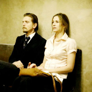 Barry Pepper stars as Rip Porter and Mira Sorvino stars as Wendy Porter in Blue Collar Releasing's Like Dandelion Dust (2009) - like_dandelion_dust02