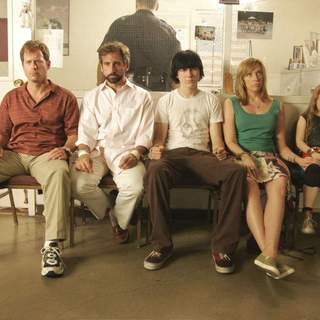 [L-R] Greg Kinnear, Steve Carell, Paul Dano, Toni Collette and Abigail Breslin in Fox Searchlight Pictures' Little Miss Sunshine (2006) - little_miss_sunshine02