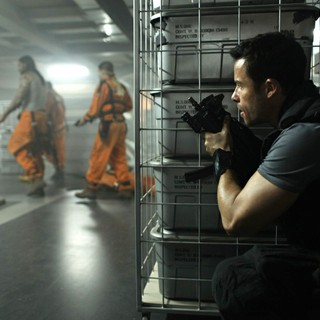 Guy Pearce stars as Snow in Europa Corp.'s Lockout (2012) - lock-out-pic04