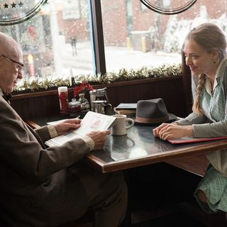 Alan Arkin and Amanda Seyfried in CBS Films' Love the Coopers (2015) - love-the-coopers02