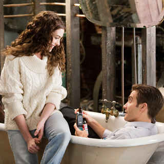Love and Other Drugs Picture 3