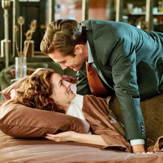 Love and Other Drugs Picture 6