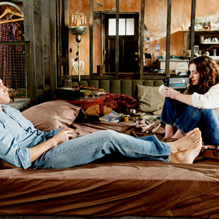 Love and Other Drugs Picture 9